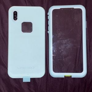 iPhone XS MAX case lifeproof blue